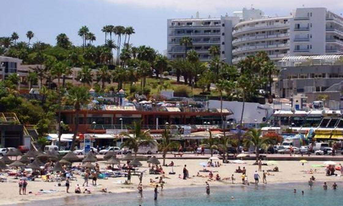 Las Americas Beach 2